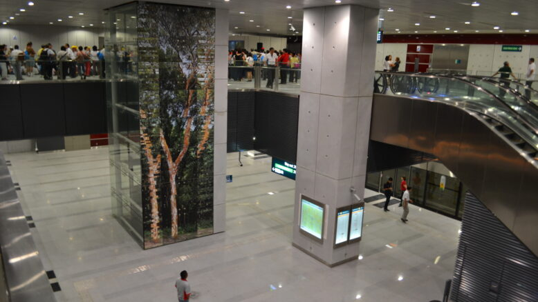 Slim Barracks Rise Buona Vista MRT Station Near to Transport and Shopping Centres